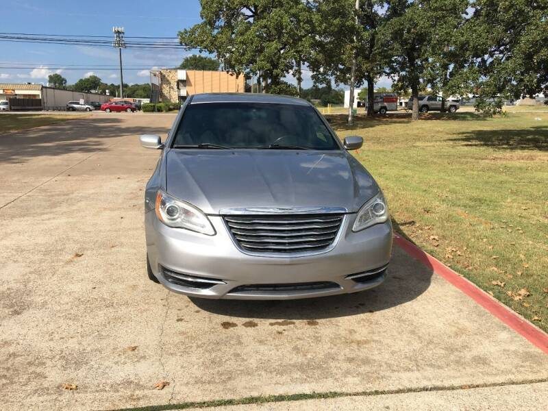 2013 Chrysler 200 for sale at RP AUTO SALES & LEASING in Arlington TX