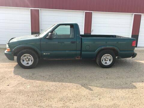 1998 Chevrolet S-10 for sale at TnT Auto Plex in Platte SD