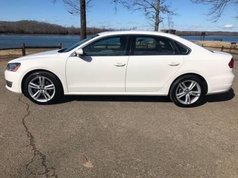 2015 Volkswagen Passat for sale at Monroe Auto's, LLC in Parsons TN
