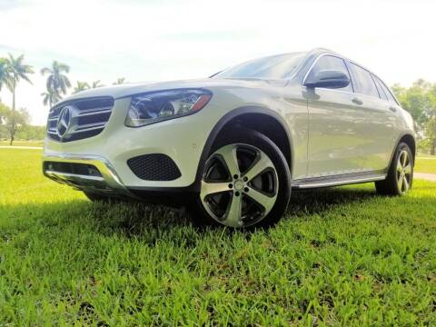 2016 Mercedes-Benz GLC for sale at M.D.V. INTERNATIONAL AUTO CORP in Fort Lauderdale FL