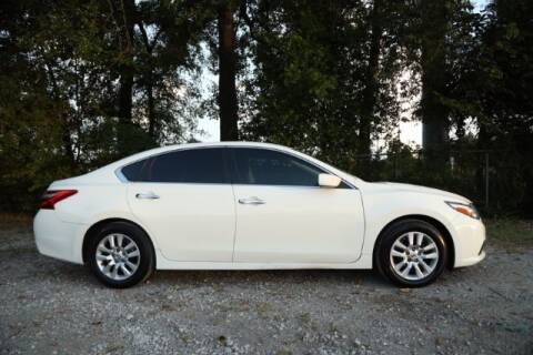 2016 Nissan Altima for sale at WOODLAKE MOTORS in Conroe TX