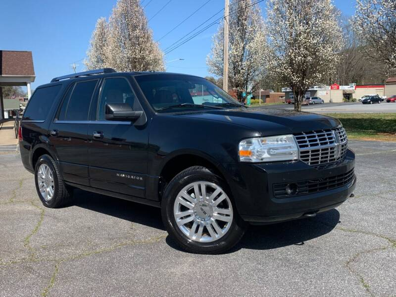 2011 Lincoln Navigator for sale at Mike's Wholesale Cars in Newton NC
