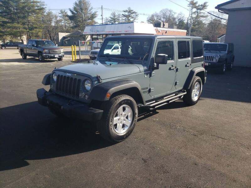 2015 Jeep Wrangler Unlimited for sale at Topham Automotive Inc. in Middleboro MA