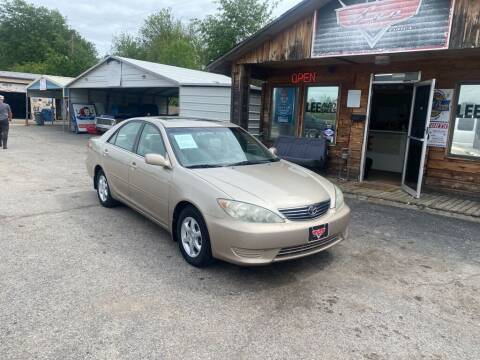2005 Toyota Camry for sale at LEE AUTO SALES in McAlester OK