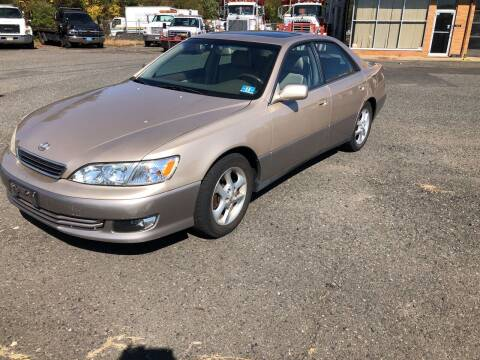 2000 Lexus ES 300 for sale at COLONIAL MOTORS in Branchburg NJ