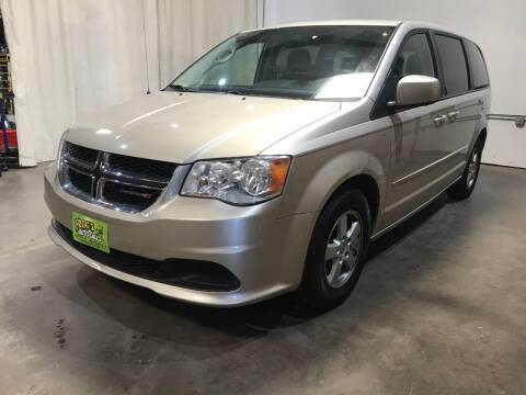 2013 Dodge Grand Caravan for sale at Frogs Auto Sales in Clinton IA