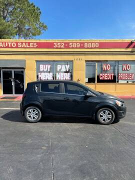 2013 Chevrolet Sonic for sale at BSS AUTO SALES INC in Eustis FL