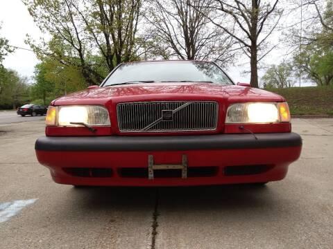 1997 Volvo 850 for sale at Crispin Auto Sales in Urbana IL