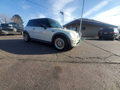 2006 MINI Cooper for sale at Geareys Auto Sales of Sioux Falls, LLC in Sioux Falls SD