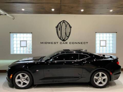 2019 Chevrolet Camaro for sale at Midwest Car Connect in Villa Park IL