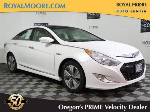 2015 Hyundai Sonata Hybrid for sale at Royal Moore Custom Finance in Hillsboro OR