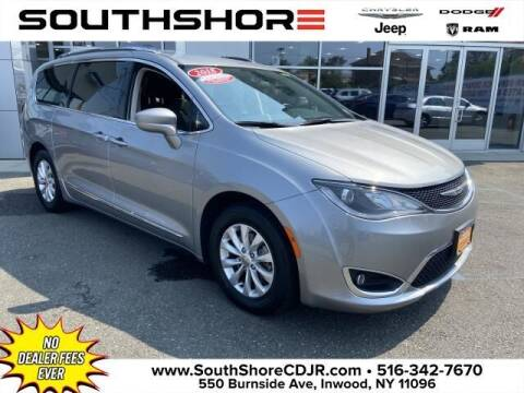 2018 Chrysler Pacifica for sale at South Shore Chrysler Dodge Jeep Ram in Inwood NY
