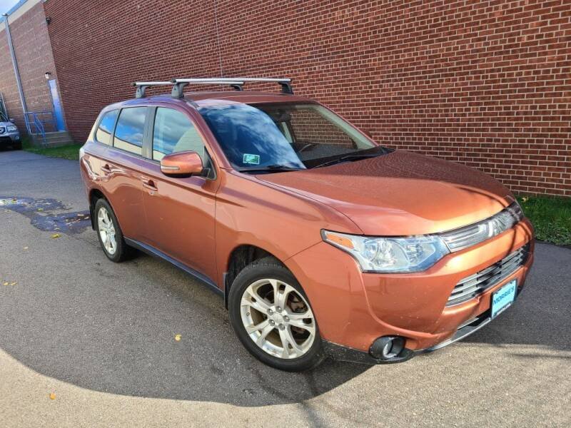 2014 Mitsubishi Outlander for sale at Minnesota Auto Sales in Golden Valley MN
