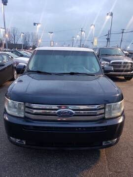 2009 Ford Flex for sale at R&R Car Company in Mount Clemens MI