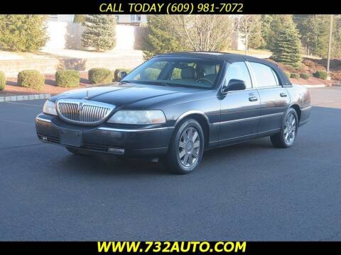 2003 Lincoln Town Car for sale at Absolute Auto Solutions in Hamilton NJ