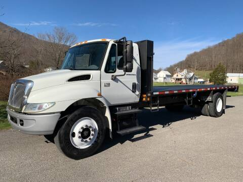 2005 International 4300 for sale at Henderson Truck & Equipment Inc. in Harman WV