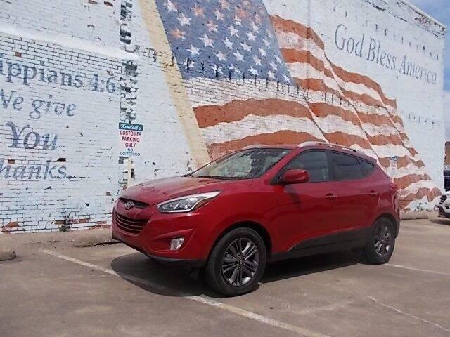 2015 Hyundai Tucson for sale at LARRY'S CLASSICS in Skiatook OK