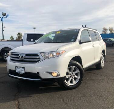 2012 Toyota Highlander for sale at LUGO AUTO GROUP in Sacramento CA