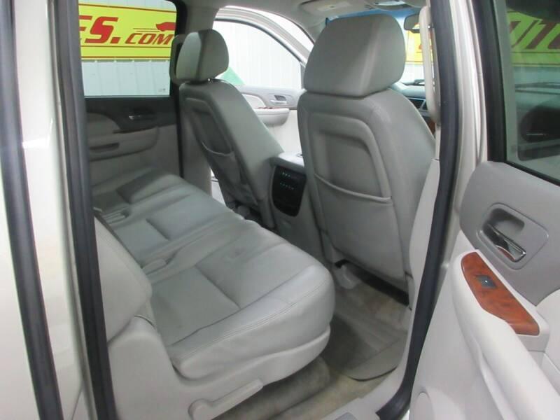 2008 Chevrolet Suburban 4x2 LT 1500 4dr SUV - Ardmore TN