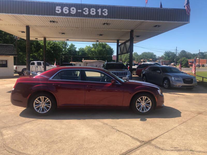 2017 Chrysler 300 for sale in Mineola, TX