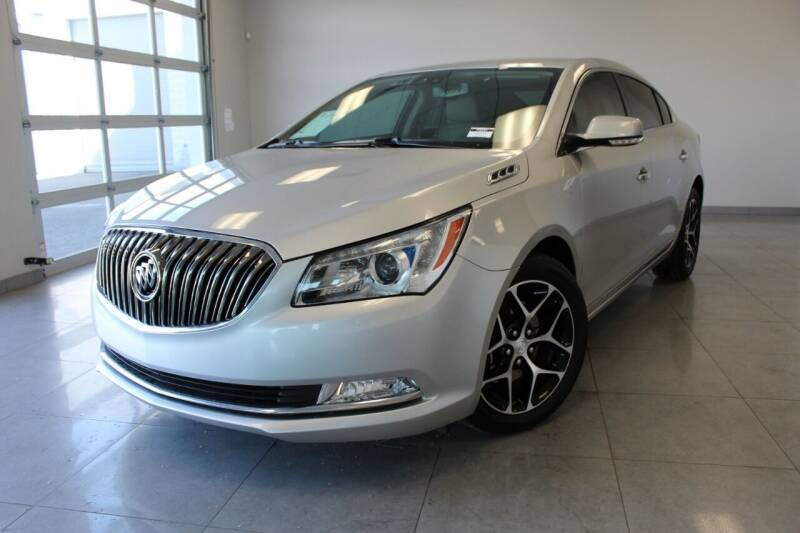 2016 Buick LaCrosse for sale at Auto Max Brokers in Palmdale CA