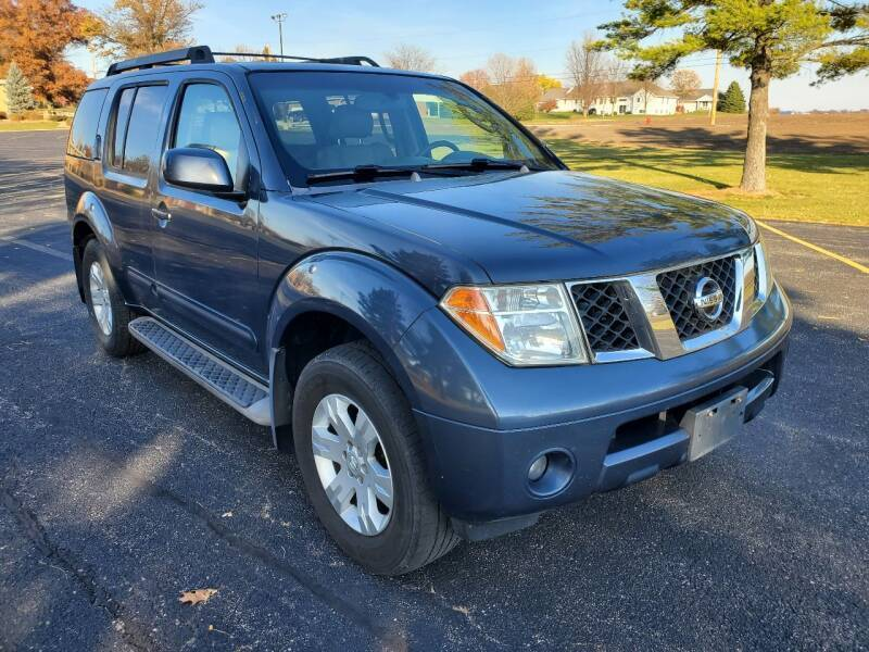 2005 Nissan Pathfinder for sale at Tremont Car Connection in Tremont IL