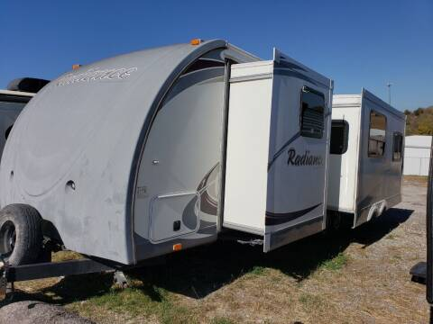 2013 Cruiser RV Radiance r28rlss for sale at Ultimate RV in White Settlement TX