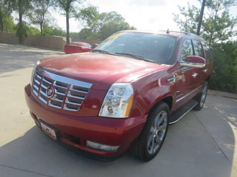 2010 Cadillac Escalade for sale at Azteca Auto Sales LLC in Des Moines IA