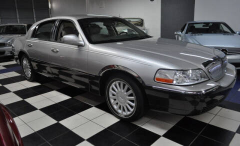 2005 Lincoln Town Car for sale at Podium Auto Sales Inc in Pompano Beach FL