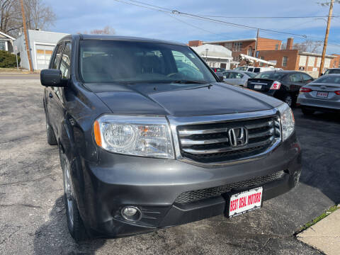 2013 Honda Pilot for sale at Best Deal Motors in Saint Charles MO