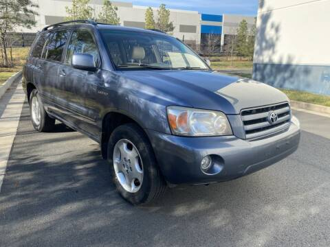 2005 Toyota Highlander for sale at PM Auto Group LLC in Chantilly VA