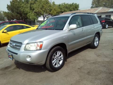 2006 Toyota Highlander Hybrid for sale at Larry's Auto Sales Inc. in Fresno CA