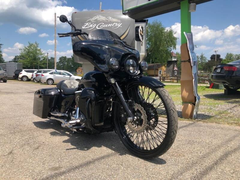 2011 HARLEY DAVIDSON STREET GLIDE for sale at Giguere Auto Wholesalers in Tilton NH