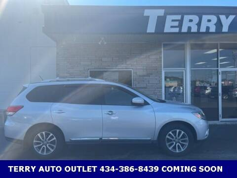 2015 Nissan Pathfinder for sale at Terry Auto Outlet in Lynchburg VA