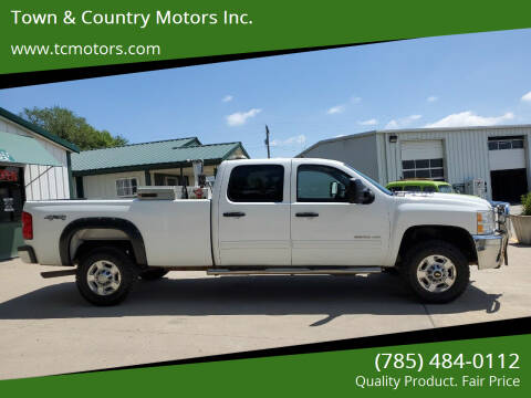 2013 Chevrolet Silverado 2500HD for sale at Town & Country Motors Inc. in Meriden KS
