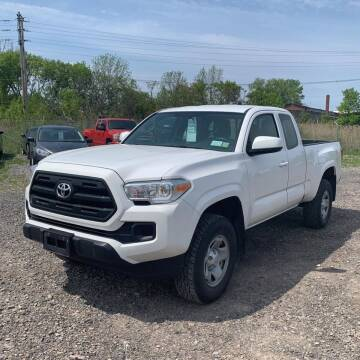 2017 Toyota Tacoma for sale at OFIER AUTO SALES in Freeport NY