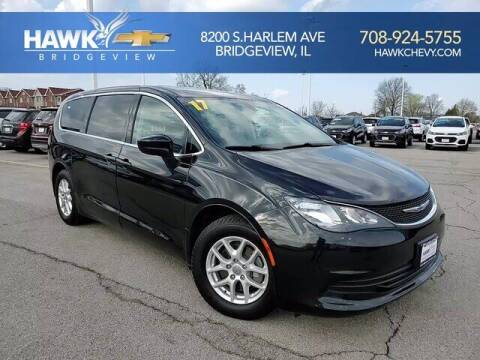 2017 Chrysler Pacifica for sale at Hawk Chevrolet of Bridgeview in Bridgeview IL
