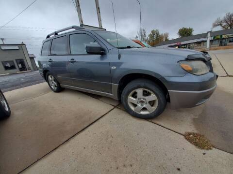 2003 Mitsubishi Outlander for sale at Geareys Auto Sales of Sioux Falls, LLC in Sioux Falls SD