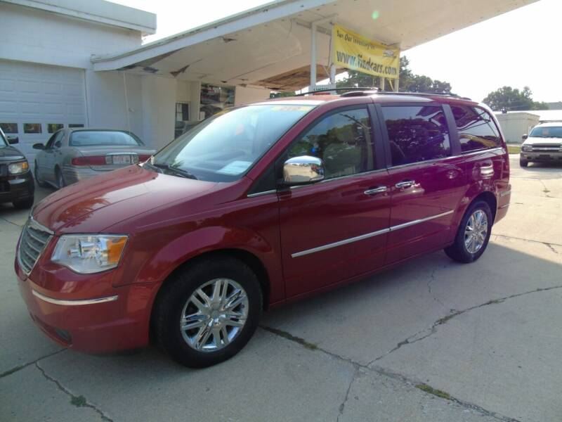 2008 Chrysler Town and Country for sale at C&C AUTO SALES INC in Charles City IA