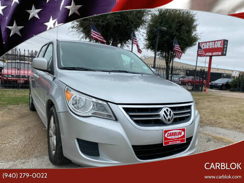 2009 Volkswagen Routan for sale at CARBLOK in Lewisville TX