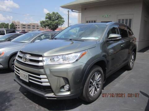2019 Toyota Highlander for sale at Bitner Motors in Pittsburg KS