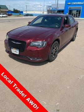2018 Chrysler 300 for sale at Midway Auto Outlet in Kearney NE