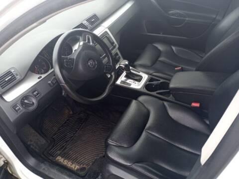 2010 Volkswagen Passat for sale at Jerry Allen Motor Co in Beaumont TX
