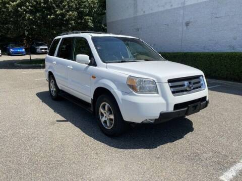 2008 Honda Pilot for sale at Select Auto in Smithtown NY