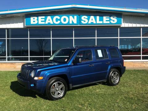 2009 Jeep Patriot for sale at BEACON SALES & SERVICE in Charlotte MI