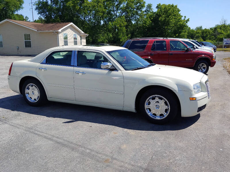 2005 Chrysler 300 for sale at K & P Used Cars, Inc. in Philadelphia TN