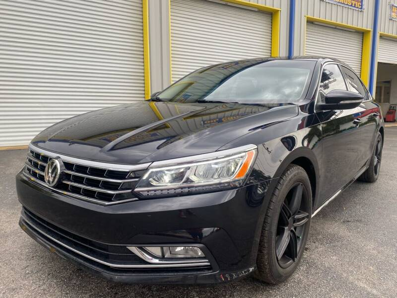 2018 Volkswagen Passat for sale at RoMicco Cars and Trucks in Tampa FL