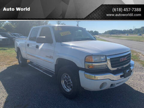 2005 GMC Sierra 2500HD for sale at Auto World in Carbondale IL