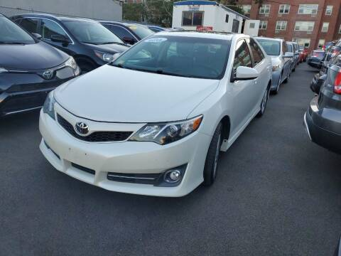 2014 Toyota Camry for sale at OFIER AUTO SALES in Freeport NY