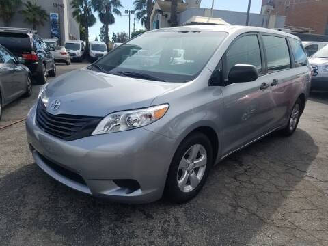 2015 Toyota Sienna for sale at In-House Auto Finance in Hawthorne CA